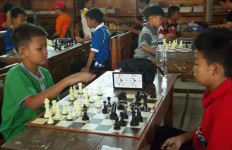Kereeen!!! Tiga Pelajar SMP Indonesia Sabet Emas di Kejuaraan Catur Internasional - JPNN.com