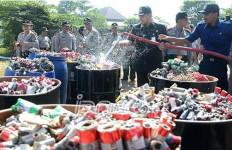 Jelang Natal, Polda Metro Bekuk Jago Racik Petasan - JPNN.com