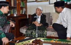 BACA NIH: Fatwa Mbah Moen Akui PPP Djan Faridz, Romi Diminta Islah - JPNN.com