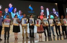 Hebat! 10 Kepala Daerah Terima JPG Awards - JPNN.com