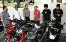 Pencuri Motor Curian Dibekuk Polisi, Penadah: Jujur Pak, Saya Tidak Mengulangi Lagi - JPNN.com