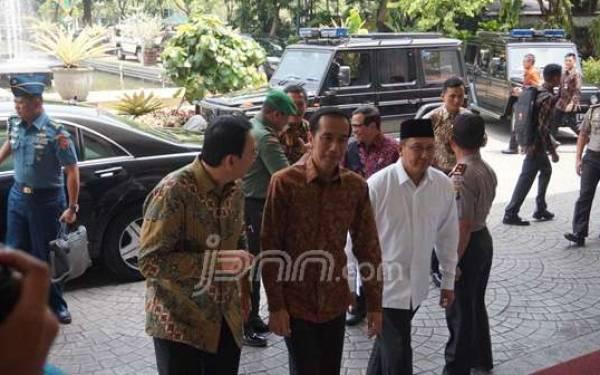 Jokowi Sumrigah Kunjungi Balai Kota DKI - JPNN.com