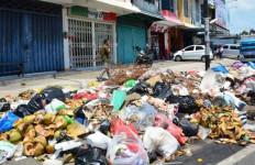 Jokowi Minta Sampah Bisa Hilang di Kota-kota Besar, Caranya.. - JPNN.com