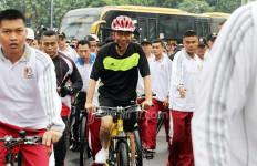 Kalau Jokowi Mau Lakukan Ini, 2019 Bisa jadi Presiden Lagi - JPNN.com