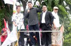 Politikus PDIP: Hati-hati Pak Jokowi, Anda Bisa Terjungkal - JPNN.com