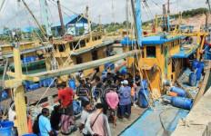 Astaga! Pemilik Kapal Malaysia Pekerjakan WNI untuk Curi Ikan - JPNN.com