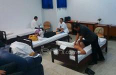 Pak Pejabat Khawatir Para Tukang Pijat Sakit - JPNN.com
