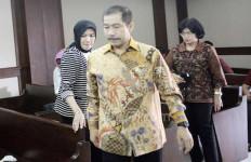 Wali Kota Nonaktif Bareng Istri Jalani Sidang PK - JPNN.com