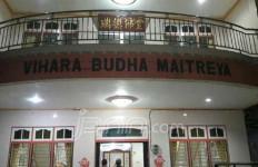 Larang Ayah Beribadah, Anak Bakar Vihara Buddha Maitreya - JPNN.com