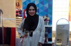 Si Cantik ini Makin Serius Geluti Bisnis Hijab - JPNN.com