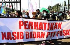 Hiksss, Bidan Desa PTT Terancam Gigit Jari - JPNN.com