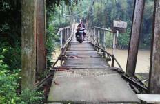 Kasihan, Warga Dusun Ini Sudah Puluhan Tahun Mendambakan Jembatan Gantung - JPNN.com