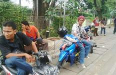 Massa Demo Membludak, Tukang Ojek Sepi Penumpang - JPNN.com