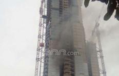 Apartemen Masih Dibangun Dilalap Api - JPNN.com