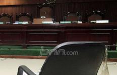 Pak Hakim, Mohon Penyuap Putu Sudiartana Dihukum 4 Tahun Penjara - JPNN.com