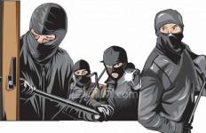 Polisi Cokok Komplotan Begal Tukang Bacok - JPNN.com