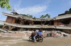 Wahai Dermawan, Korban Gempa Pidie Jaya Butuh Bahan Bangunan - JPNN.com