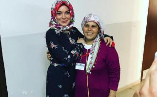 Lindsay Lohan Pengin Adopsi Anak Pengungsi Syiria - JPNN.com