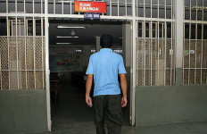 Mana Sanggup 48 Sipir Jaga 2.611 Tahanan - JPNN.com