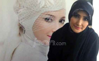 Kesedihan Inneke saat Jenguk Suami di Lapas Sukamiskin - JPNN.com