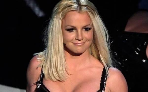 Kelihatan Gendut, Britney Spears Curiga Fotonya Diedit - JPNN.com