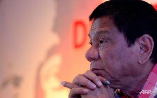 Makin Edan, Duterte Sebut Uskup Katolik Layak Dibunuh - JPNN.com