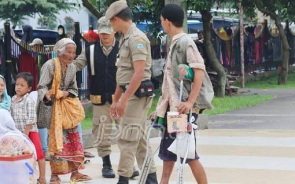Warga Bandung Diminta Setop Beri Uang ke Pengemis - JPNN.com