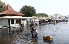 Pintu Air Pasar Ikan Siaga Dua, Banjir Rob Ancam Jakarta Utara - JPNN.com