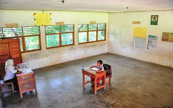 Gaji Guru Honorer Naik Mulai Bulan Depan, Berlipat-lipat - JPNN.com