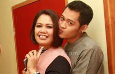 Haha, Netizen Lebih Kenal Eks Suami Elly Sugigi Ketimbang Rezky Aditya - JPNN.com