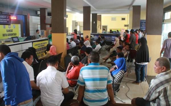 Tak Bayar Denda e-Tilang, Ratusan STNK Diblokir - JPNN.com
