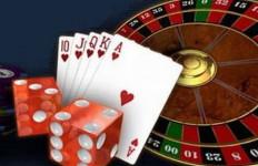 Nunggu Sahur Sebaiknya Mengaji Bukan Berjudi Seperti Pria Ini - JPNN.com
