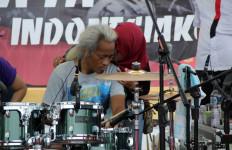 Merah Putih Berkibar, Kunto Pecahkan Rekor Gebuk Drum - JPNN.com