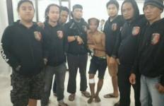 Rebut Pistol Polisi Lalu Menjulurkan Lidah...DOR! - JPNN.com