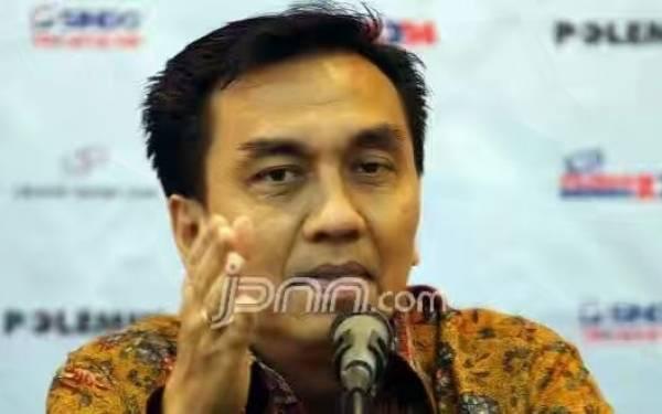 Penilaian Effendi PDIP soal Airlangga Vs Bamsoet di Bursa Calon Ketum Golkar - JPNN.com