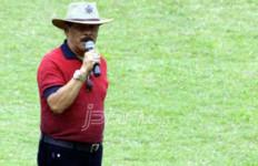 Waduh! Pak Haji Umuh Geram, Ancam Tuntut Bobotoh - JPNN.com