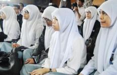 SPP Bisa untuk Talangi Honor Guru Non-PNS SMA/SMK - JPNN.com