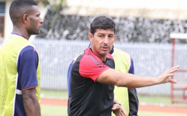 Bhayangkara FC Pecat Alfredo Vera - JPNN.com