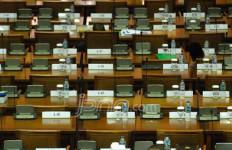 Konflik Politik, PNS Tak Masuk Kantor, Dewan Geram - JPNN.com