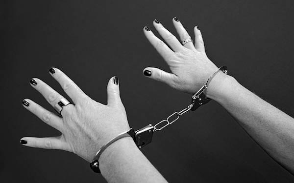 Berbuat Terlarang di Indekos, Biduan Dangdut Tak Berkutik saat Diciduk Polisi - JPNN.com