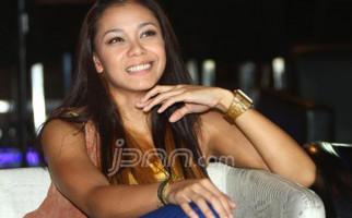 Adinia Wirasti Berharap Sineas Lokal Bisa Mendunia - JPNN.com