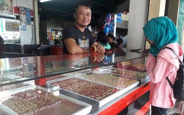 Rupiah Menguat, Harga Emas Turun - JPNN.com