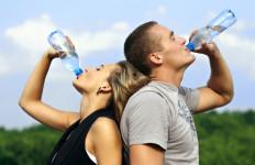 Air Putih Dalam Kemasan Bisa Basi? - JPNN.com