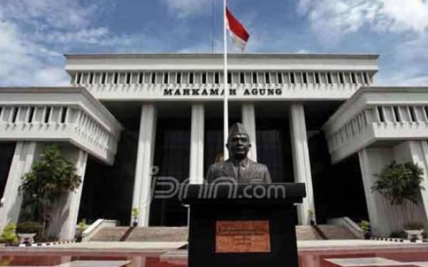 Hakim Agung MD Pasaribu Meninggal Dunia, Langsung Dimakamkan Tanpa Prosesi di MA - JPNN.com