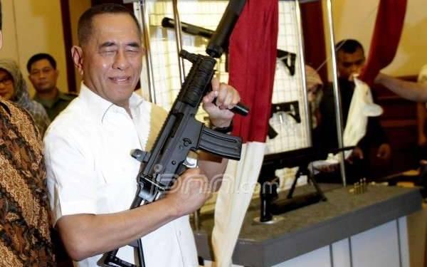 Menurut Konstitusi, Menhan Ryamizard Lebih Penting dari Wiranto - JPNN.com