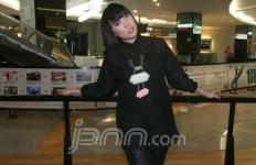 Jualan Online, Fitri Tropica Diancam Mau Dipenjarakan - JPNN.com