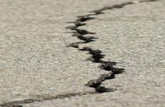 Kaca Bergetar, Bali dan Lombok Diguncang Gempa - JPNN.com