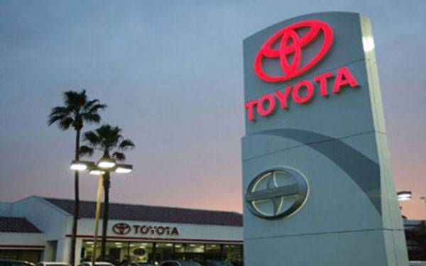 Gandeng Grab, Toyota Ekspansi ke Jasa Layanan - JPNN.com