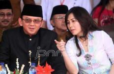 Veronica Hadiri Resepsi Kahiyang Bersama Djarot dan Happy - JPNN.com