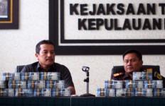 Mantan Bupati Ini Kembalikan Uang Korupsi Ratusan Juta - JPNN.com